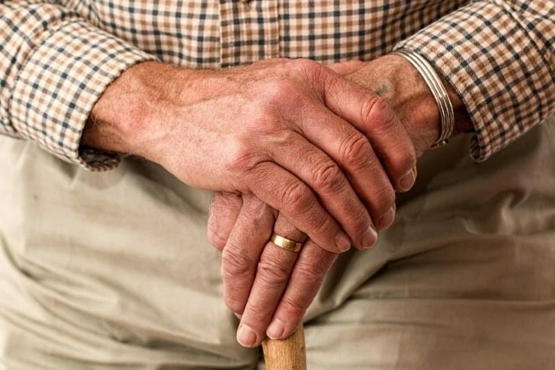 Atención al anciano con total profesionalidad