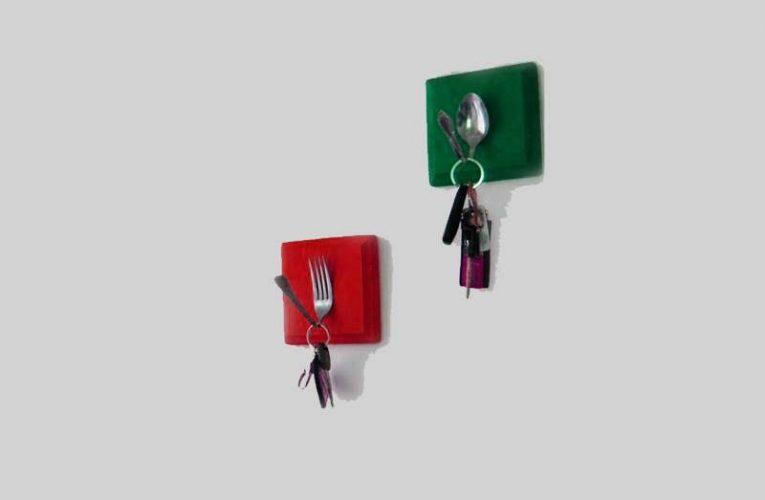 Reciclando la cubertería: colgadores para llaves